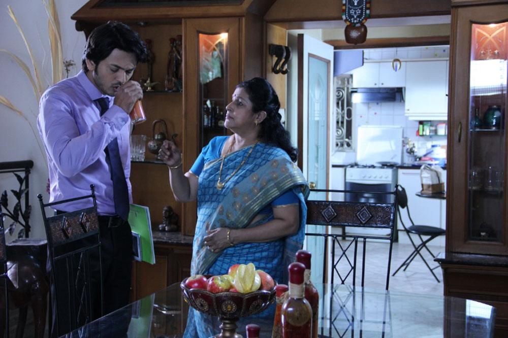 Savita Prabhune to play Lalit's Mother in TTMM